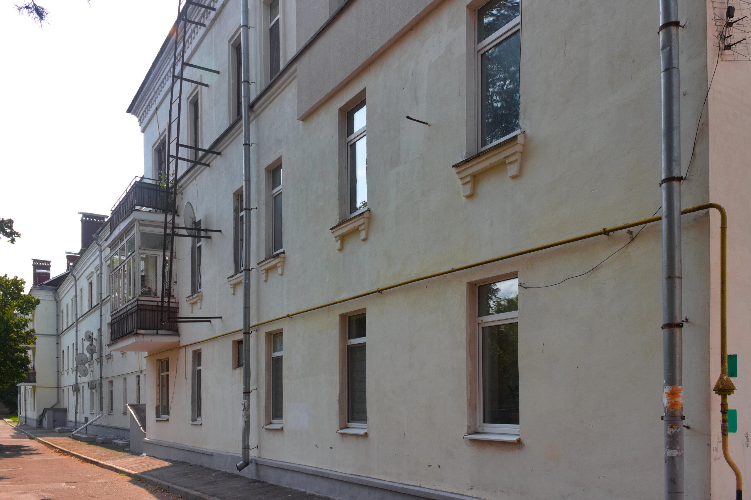 Дом офицерского состава концлагеря Stalag 352, который использовался как лазарет